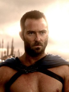 Sullivan-Stapleton-300-Rise-Empire-photo-466x624