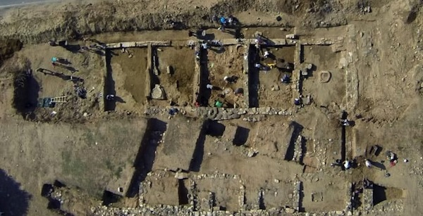 2,700-Year-Old Portico Discovered in Greece