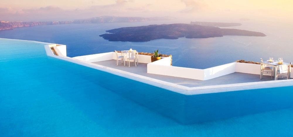 Grace_Santorini_pool