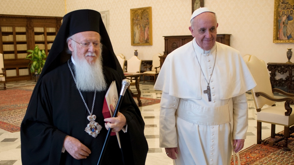 Patriarch Bartholomew I (L) and Pope Francis in 2013