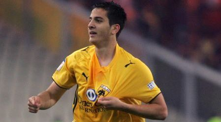 manolas while playing for AEK Athens