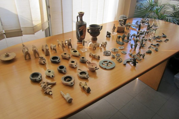 greek artifacts stolen