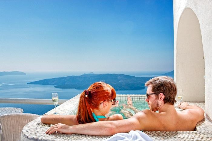 Best Villas and Suites in Mykonos and Santorini