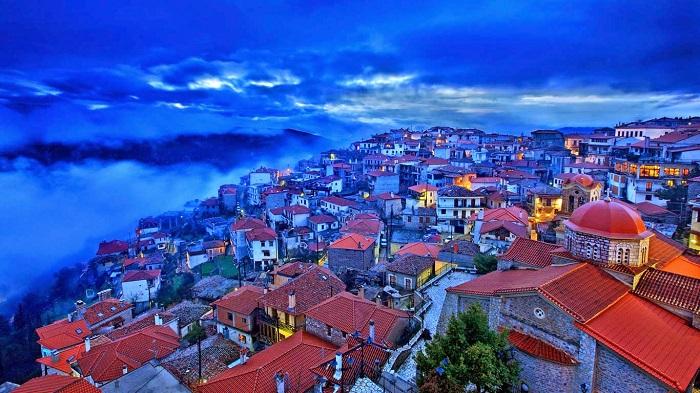 Arachova, Greece 20141108