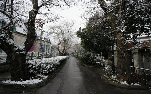 snow-Athens