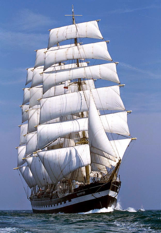 kruzenshtern-under-sail-max-mudie