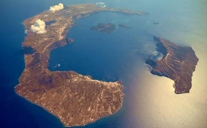 Santorini Volcano Returns to Dormant State