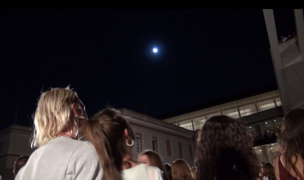 Tango_full_moon_Acropolis_museum