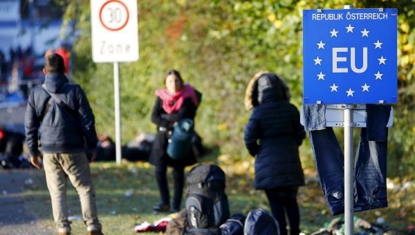 2015-10-24t164840z_616689981_gf20000031118_rtrmadp_3_europe-migrants-austria_crop1445811637850.jpg_1718483346