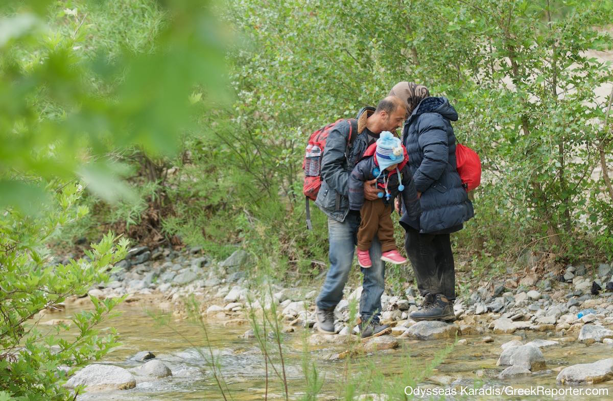 Refugees_Sent_to_Greece_FYROM_border_Karadis