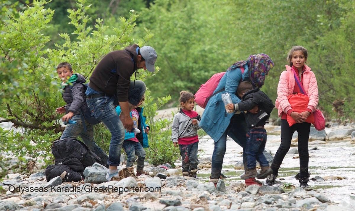 Refugees_Sent_to_Greece_FYROM_border_Karadis_3