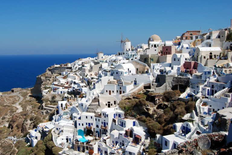 Greek Government Plans To Restrict Airbnb-Style Platforms
