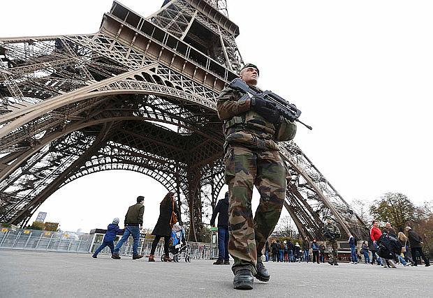 Paris-Eiffel- terror attacks