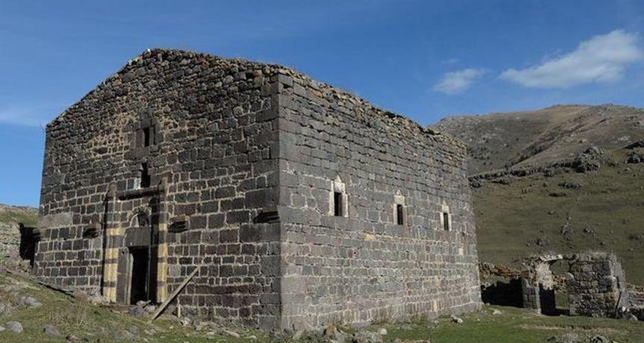 645x344-turkish-family-protects-historic-greek-church-from-treasure-hunters-1479669803335