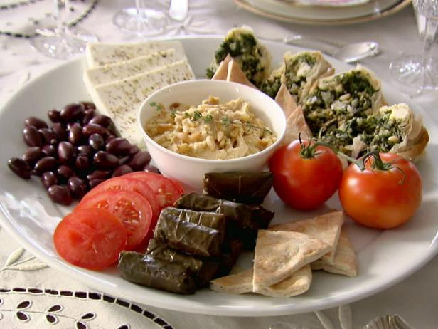 Ten Dishes that Give a Greek Flavor to your Christmas Dinner