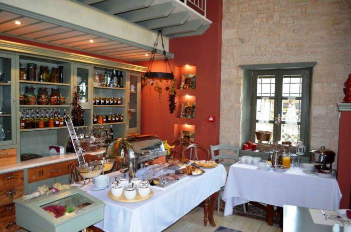 Breakfast Pirrion Boutique Hotel Sweet Hospitality (Courtesy of Greek Breakfast).