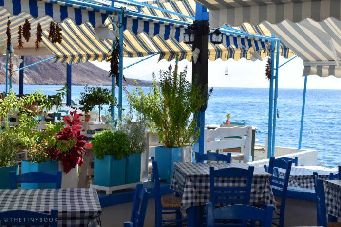Seaside tavernas, Loutro