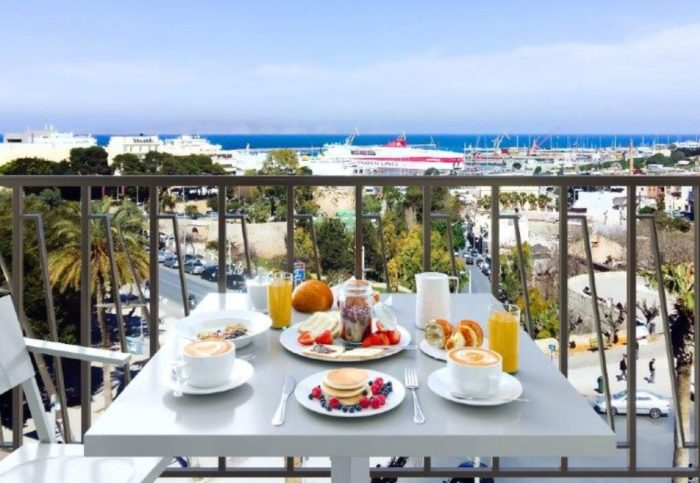 In-room breakfast in the balconies of Legacy Gastro Suites (Image courtesy: Legacy Gastro Suites).