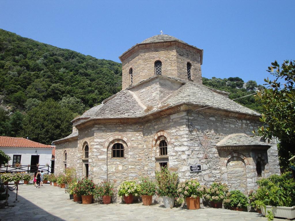 Εκκλησία στη Μονή Ευαγγελίστριας.