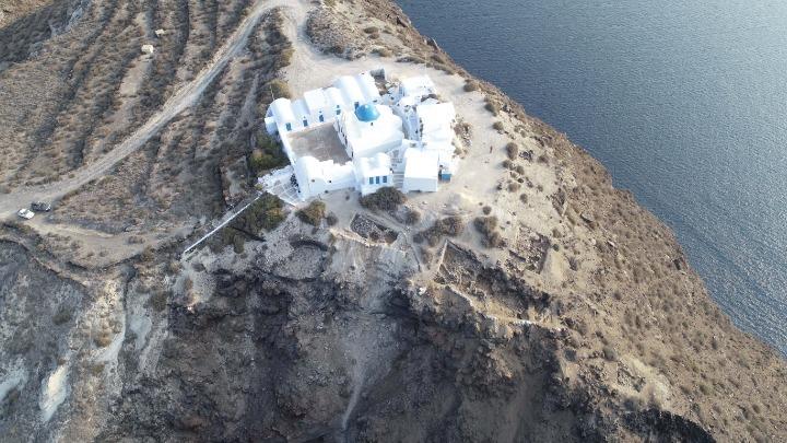 Thirasia-Santorini-volcano-explosion-date-changed