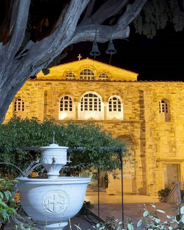 Panagia Ekatontapiliani on Paros
