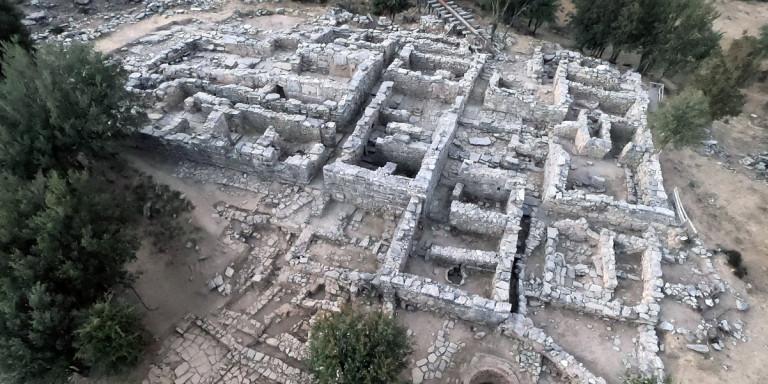 zominthos minoan palace