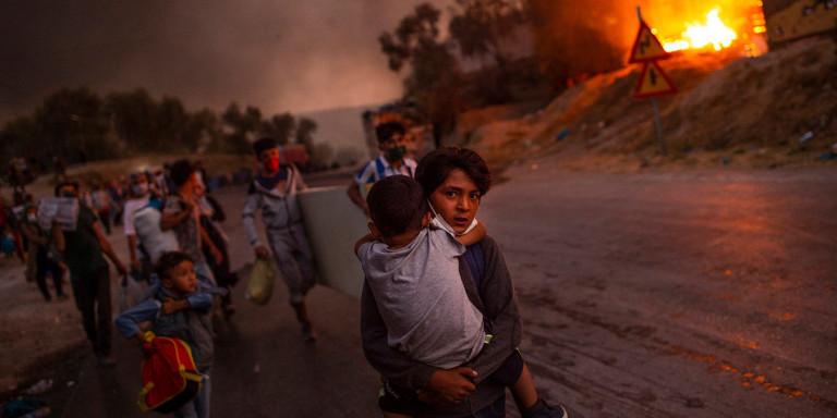 Greek photographer Angelos Tzortzinis UNICEF award photo