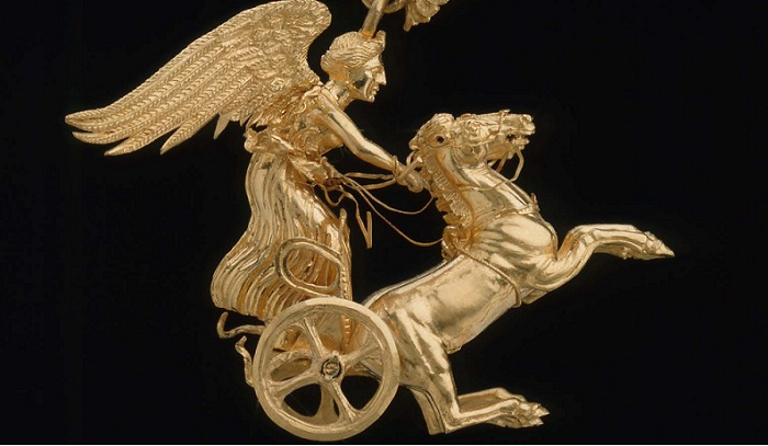 ancient greek earring boston museum of fine arts