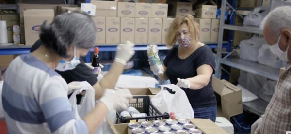 Hellenic Initiative hunder athens food bank