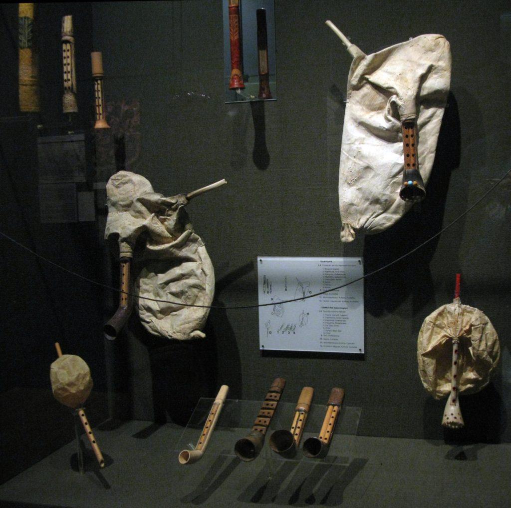 Mykonos tsabouna