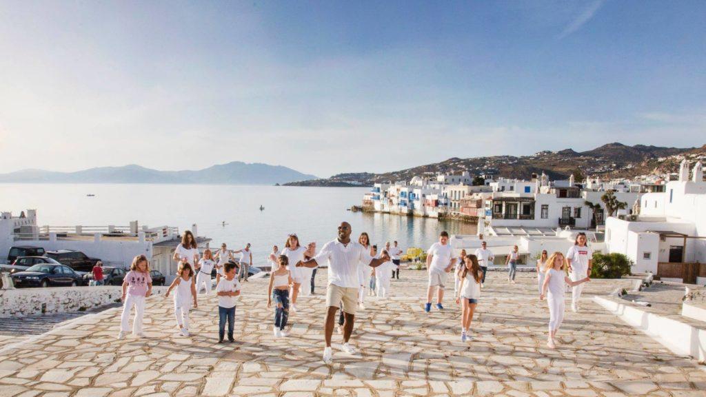 Mykonos dance