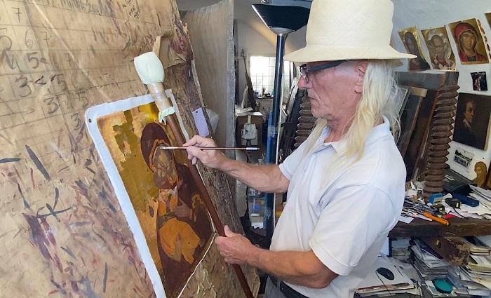 Santorini icon painter