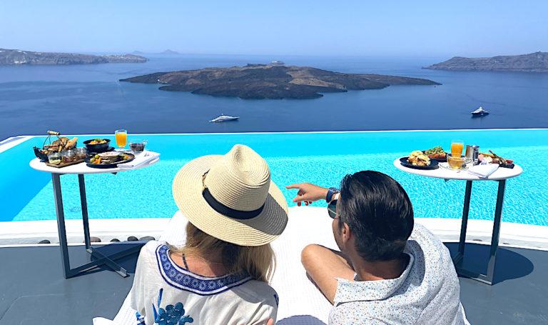 Huge Increase in Tourist Revenue in Greece in July