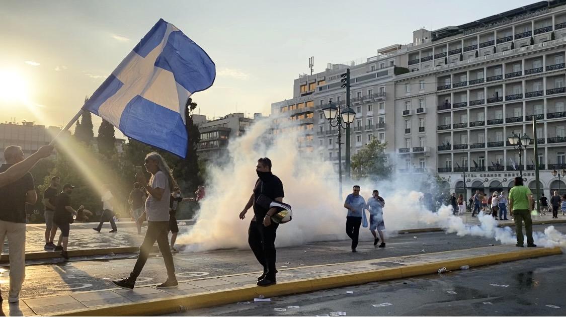 anti-vaccine Greece