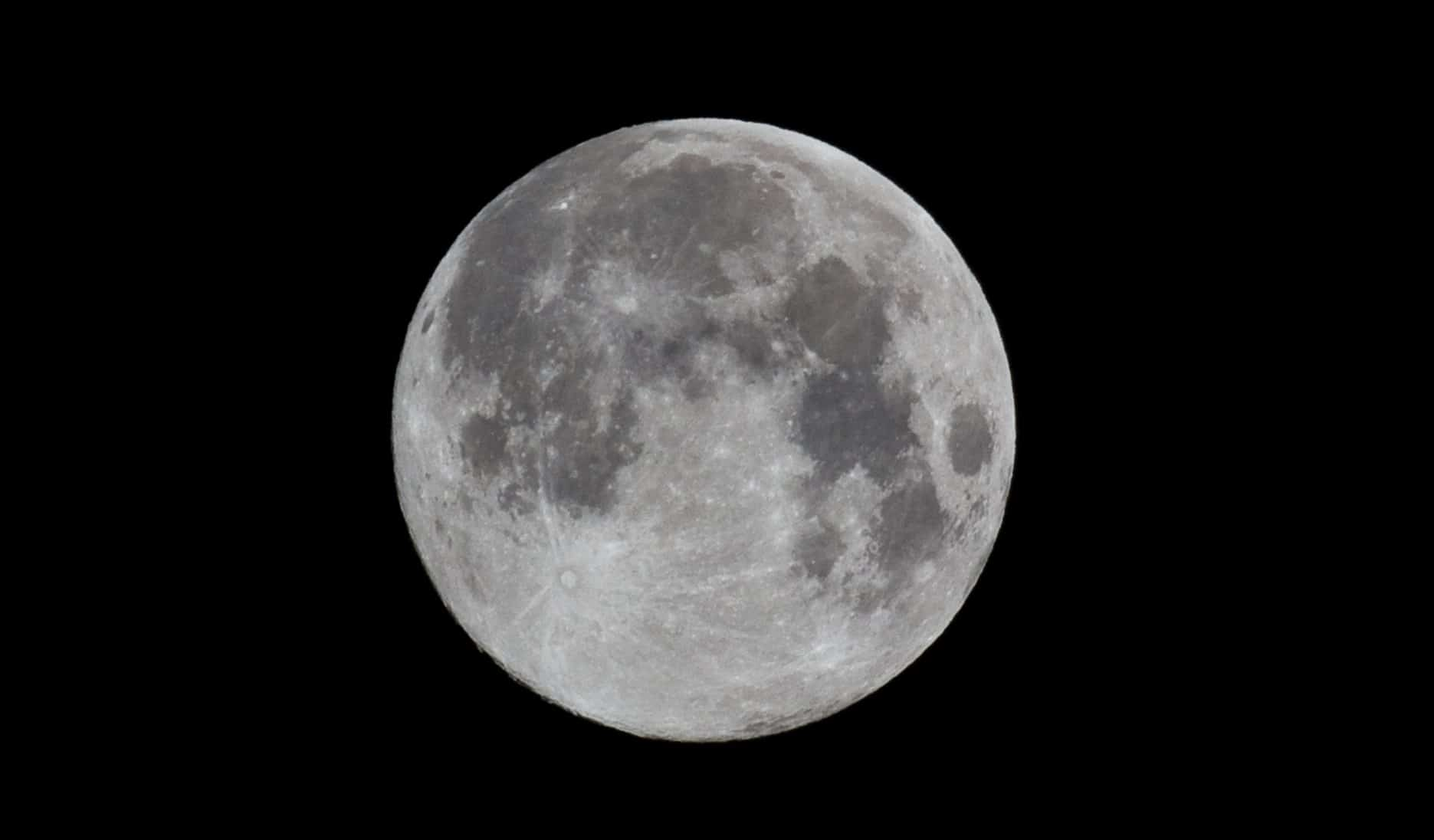 """Scientists Say Moon """"Wobble"""" Will Trigger Extra Flooding"""