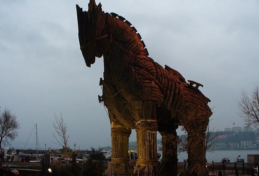 Troy movie horse