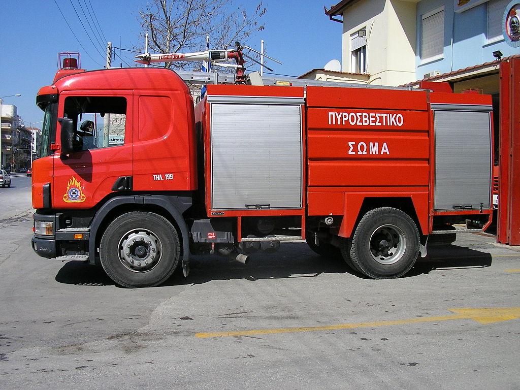 Fire pump truck