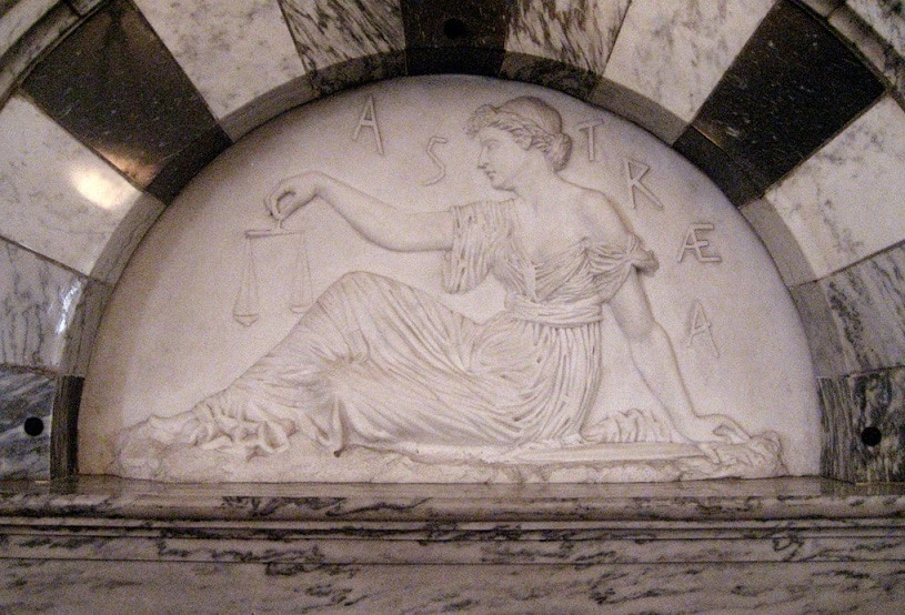 Astrea figure in the Supreme Court room of Vermont State House