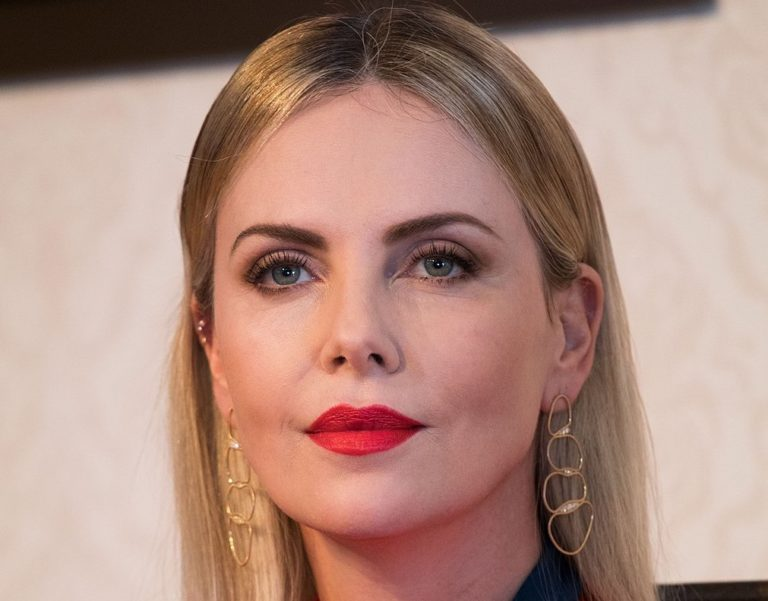 Hollywood Star Charlize Theron Vacations on Mykonos
