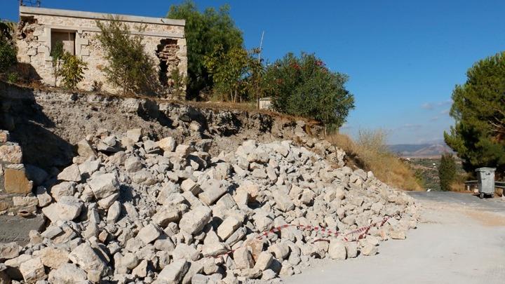 earthquake aftershock Crete