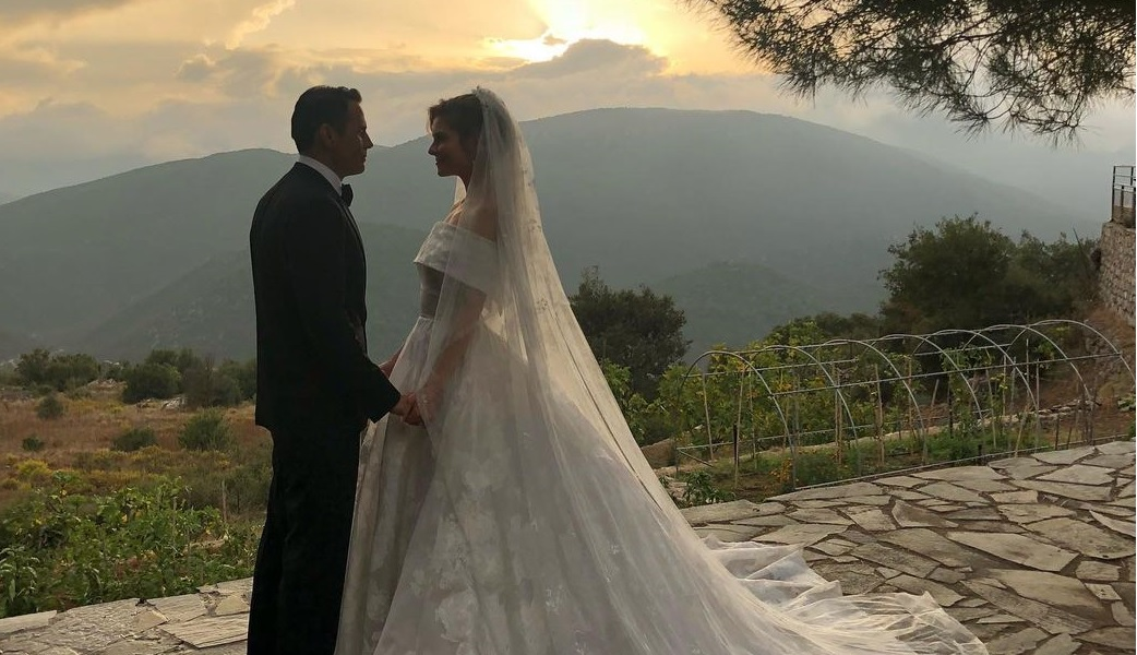 Maria Menounos married in Greece